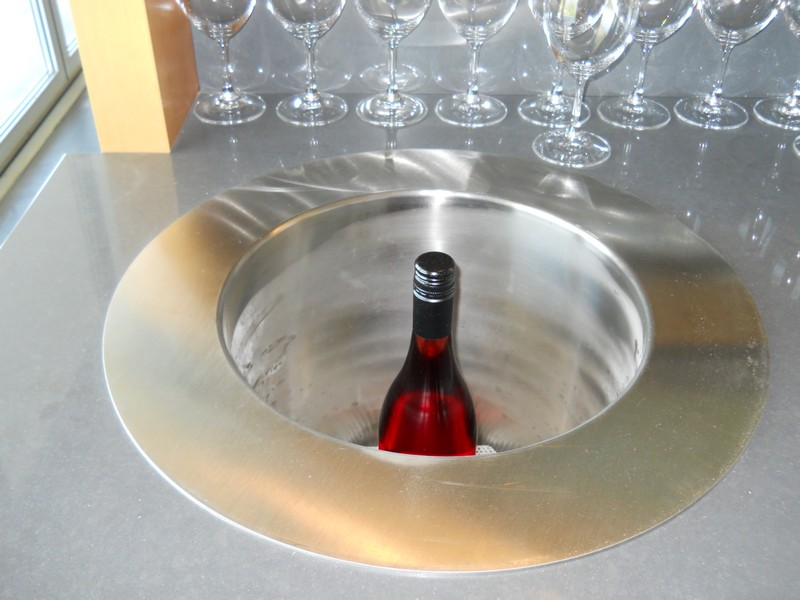 Portable Under-Counter Wine Chiller3